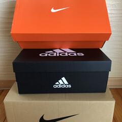 靴箱/収納/暮らし 捨てられない靴箱。 ナイキはオレンジの箱…