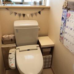 ハンドメイド雑貨/トイレ/配線隠し/簡単DIY/トイレ収納/最近買った100均グッズ/... 失礼😅おトイレの写真です。 今朝saku…