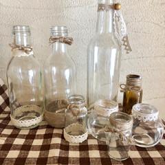 空き瓶活用/ハンドメイド雑貨/リメイク瓶/簡単リメイク/空き瓶リメイク/令和元年フォト投稿キャンペーン/... 昨日は久々にリメイク瓶作りました。 うち…