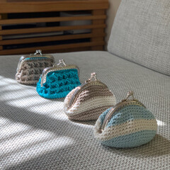 編み物/がま口ポーチ/がまぐち財布/がまぐち/かぎ針編み/セリア/... 小さながまぐちポーチ作りました 𖤣𓂃𓈒𖥧…