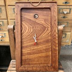 手作り時計/ハンドメイド/DIY/暮らし 古いけやき箪笥の引き戸に 時計キットを取…