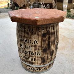 木彫り/オブジェ/インテリア ブルマンの珈琲樽をいただき一枚板でテーブ…