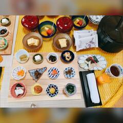 わんこ旅/朝ごはん/おでかけ/DIY/暮らし/旅行/... 朝ご飯がたくさんのおかず達可愛い〜❤美味…