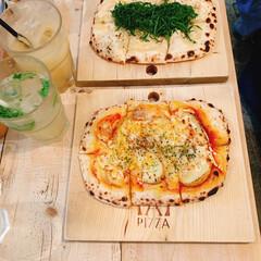おでかけ部/おしゃれカフェ/美味しい/もっちもち/ピザ/ピザ屋/... こちらのお店のピザ🍕 ピザを食べやすく色…