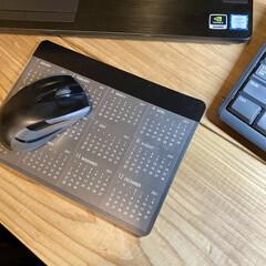 わたしのデスク周り/100均リメイク/ミニカレンダー/マウスパッド/机/作業部屋/... 昨年使っていたマウスパッドはどこかの企業…