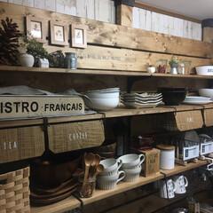 キッチン改造/キッチン収納棚/板壁DIY/キッチン背面収納/キッチン収納/DIY/... スープカップとアカシア食器&木のスプーン…