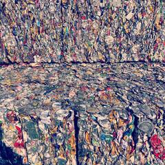 アルミ缶/カン/缶/リサイクルゴミ/リサイクル/ゴミ/... 昨日、ゴミ処理場で見かけたスクラップされ…