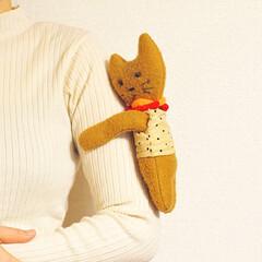 ぬいぐるみ/人形/猫/抱っこ人形/手作り/手芸/... 昔作った ぬいぐるみです。  抱っこちゃ…