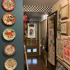 玄関ギャラリーウォール/玄関/雑貨/住まい/暮らし/リミアの冬暮らし 玄関のギャラリーウォール。