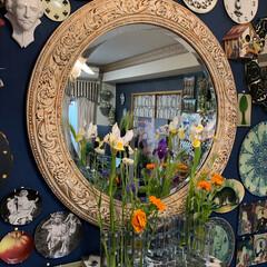 花瓶/花のある暮らし/ウォールデコレーション/リビング/コストコ/アートのある暮らし/... おはようございます。😊 昨日からスタート…