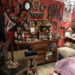 寝室/アメリ/朱色/雑貨/住まい/暮らし テーマカラーは赤の寝室。映画「アメリ」に…
