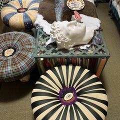 石膏像/椅子カスタマイズ/雑貨/住まい/暮らし/ここが好き 丸い椅子は中心部分の生地が擦れて薄くなっ…