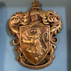 紋章/ハリーポッター/インテリア/家具/住まい/雑貨だいすき こちらはハリーポッターの紋章。アメリカの…