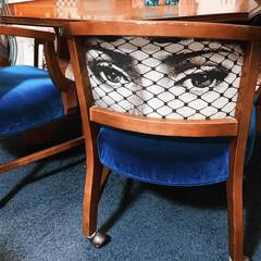 椅子の張り替え/LIMIAインテリア部/暮らし/住まい/ブルー ロイヤルブルーのベロア素材で張り替えたダ…(1枚目)