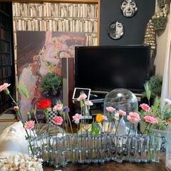 花のある暮らし/いなざうるす屋さん/セルフペイントの壁/アート/アートのある暮らし/春/... おはようございます。😊 スーパーのお花も…