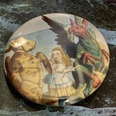 不思議の国のアリス/ガチャポン/雑貨/おでかけ/リミアの冬暮らし 先日出かけた「不思議の国のアリス展」のガ…