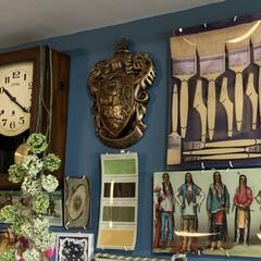 ハリーポッター/セルフペイントの壁/掛時計/アート/アートのある暮らし/ジョンデリアン/... こちらはリビングのインターフォン側。左手…