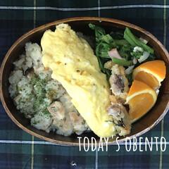 オムレツ/チキンピラフ/曲げわっぱ/LIMIAごはんクラブ/フォロー大歓迎/わたしのごはん/... おはようございます。 炊き込みチキンピラ…