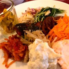美味しいランチ/セリア/おでかけ 前菜はお好みで自分で取りに行き。 メイン…(2枚目)