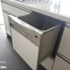 食洗機/クエン酸水スプレー/食洗機の掃除/毎日こそうじ/こそうじ/キッチン/... こんばんは😃🌃 . . 昨日と一昨日もこ…