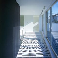横浜/ガレージハウス/SOHO ホールと屋上テラス。