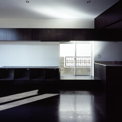 横浜/造作家具/プロポーション/小上がり 床と造作家具と壁、天井による構成。