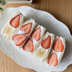 サンドイッチケーキ/手料理/カフェ/スイーツ/sweets/いちご/... イチゴのフルーツサンド🍓