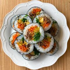 LIMIAごはんクラブ/寿司/自粛生活/おうち時間/巻き寿司/キンパ/... キンパ。 巻き寿司がすごく苦手だったけど…