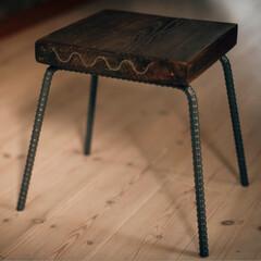 チェア/溶接/足場板/スツール/雑貨/DIY キッズスツールをDIY。 脚は鉄筋、天板…
