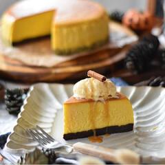 手作りスイーツ/手作りお菓子/手作りケーキ/手作りおやつ 今日のおやつ。 かぼちゃのチーズケーキ🎃(4枚目)