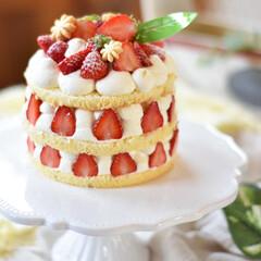 手作りケーキ/手作りおやつ/手作りスイーツ/手作りお菓子 今日のおやつ。 小粒いちごちゃん消費に小…