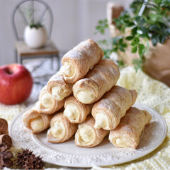 手作りお菓子/手作りおやつ/手作りスイーツ 今日のおやつ。 パイコロネ。 ディプロマ…