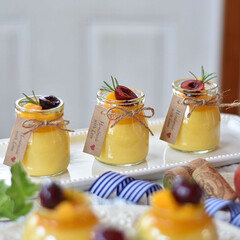お菓子作り/手作りお菓子/手作りケーキ/おうちカフェ/おうちごはん 今日のおやつ。 マンゴープリン。 上のカ…