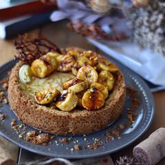 おうちごはん/手作りお菓子/おうちカフェ/お菓子作り/手作りケーキ 余り物消費のおやつ。 バナナキャラメルチ…