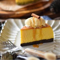 手作りスイーツ/手作りお菓子/手作りケーキ/手作りおやつ 今日のおやつ。 かぼちゃのチーズケーキ🎃(2枚目)