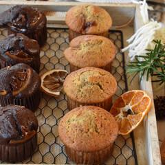 手作りお菓子/手作りスイーツ/手作りおやつ/手作りケーキ 今日のおやつ。 マフィン2種。 昨日の余…