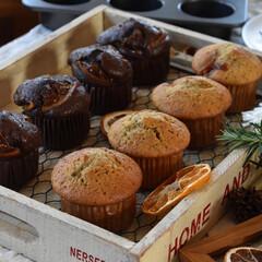 手作りお菓子/手作りスイーツ/手作りおやつ/手作りケーキ 今日のおやつ。 マフィン2種。 昨日の余…(2枚目)