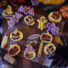 手作りお菓子/手作りケーキ/手作りおやつ/手作りスイーツ 今日のおやつ。 卵白消費にフィナンシェ。…