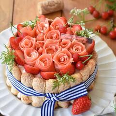 手作りケーキ/手作りスイーツ/手作りお菓子/手作りおやつ/おうちカフェ 少し早い母の日に義母へシャルロットケーキ…(2枚目)