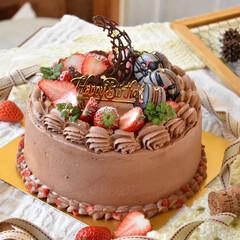 手作りスイーツ/手作りケーキ/手作りお菓子 頼まれものバースデーケーキ。 6号生チョ…(1枚目)