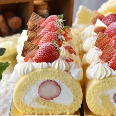 手作りケーキ/手作りおやつ/手作りスイーツ/手作りお菓子 頼まれものいちごのロールケーキ🍓(3枚目)