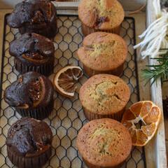 手作りお菓子/手作りスイーツ/手作りおやつ/手作りケーキ 今日のおやつ。 マフィン2種。 昨日の余…(3枚目)