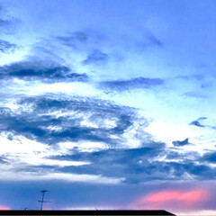 空/雲/景色 今日の夕方の空 最近、不思議な雲が 多い…