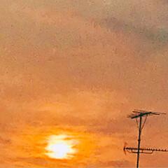 夕日 今の空 暑かった今日 夕日を 見ながら …