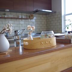 アイランドキッチン/コラベルタイル/DIY/キッチン/キッチン雑貨/雑貨/... キッチンのカウンターには背の低い雑貨を置…
