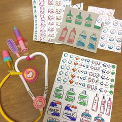 子供/はさみ/お医者さんごっこ/おもちゃ/工作 久しぶりにお医者さんごっこ用のお薬を作り…