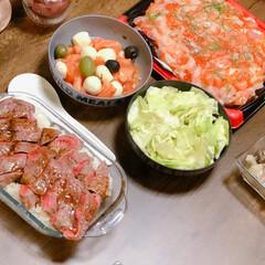 手抜き料理/簡単/ミスジ/ステーキ/サーモン/海鮮/... 我が家の昨日の夕飯は、 コストコパーティ…