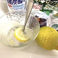 SHINE LIFE 伊賀の天然水強炭酸水 500ml×24本(発泡水、炭酸水)を使ったクチコミ「暑い季節は手作りレモンスカッシュが最高で…」(2枚目)