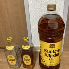 ウイスキー サントリー 角瓶 40度 700ml 1本 18本まで1梱包(国産ウイスキー)を使ったクチコミ「夫の好きなサントリーウイスキー4リットル…」