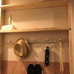 靴収納/DIY/雑貨だいすき 玄関横の廊下に2×4の突っ張り戸棚を作り…
